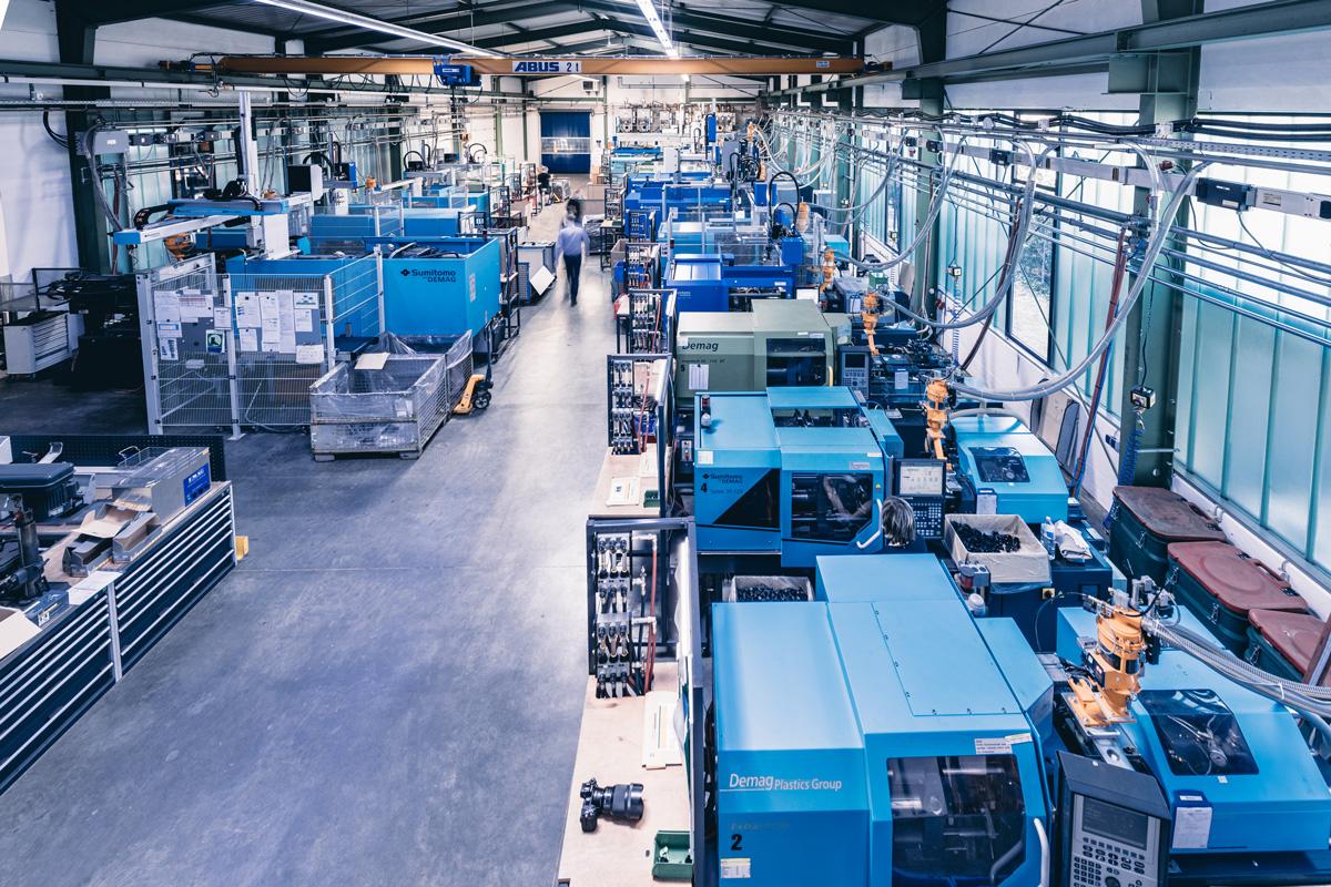 Sicht in die Montagefertigung der Dauer GmbH